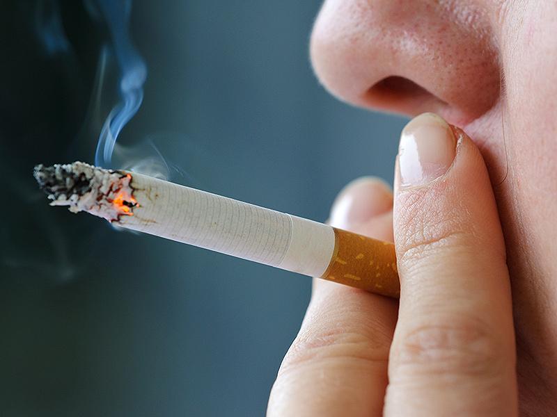 Может ли от курения появляться прыщи, влияет ли курение на прыщи? фото